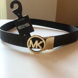 New with tags- Authentic classic Michael Kors belt